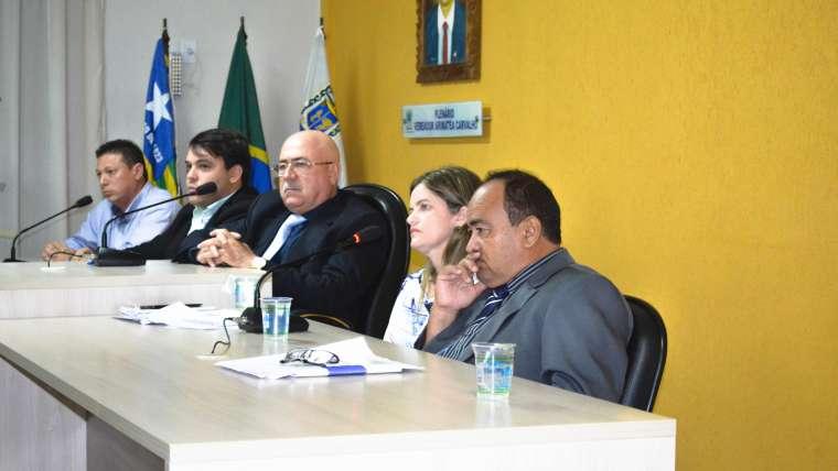 Sessão ordinária de sexta-feira na Câmara Municipal de Parnaíba contou com a presença da Secretária de Infraestrutura, Habitação e Reg. Fundiária