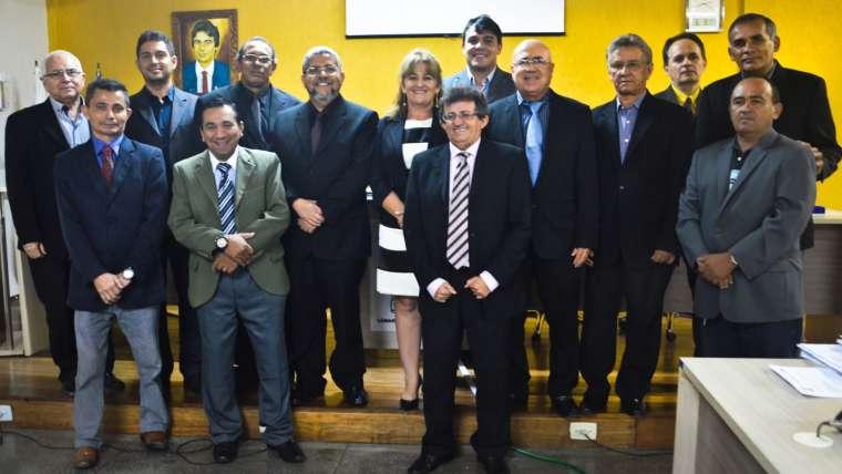 Câmara homenageia médicos com Título de Cidadania e Medalha do Mérito Legislativo