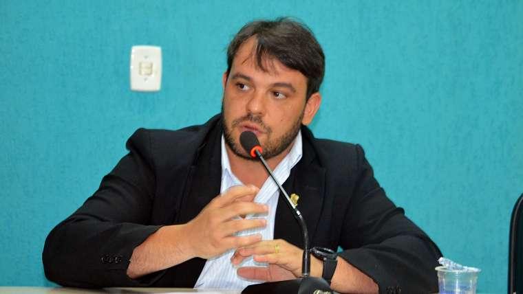 André Neves solicita pavimentação asfáltica e sistema de drenagem para localidade Conselheiro Alberto Silva